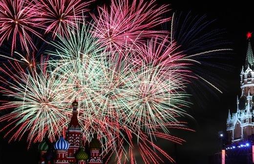 Путин поздравил россиян с Новым 2021 годом