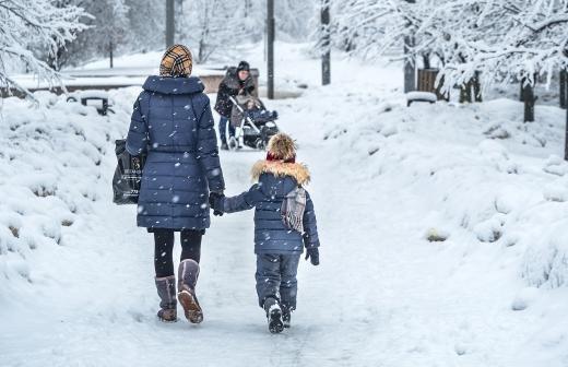 Котяков назвал сроки приема заявлений на выплаты на детей до семи лет