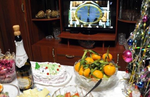 Сенатор предупредила россиян о вреде переедания в праздники