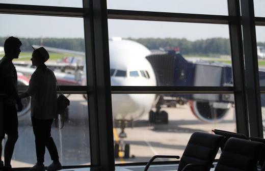 Прокуратура проверит обстоятельства 10-часовой задержки рейса в Москве