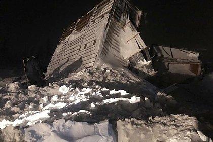 Спасатели нашли тело мужчины после схода лавины в Норильске