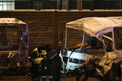 Водитель самосвала после автокатастрофы с колонной Минобороны не признал вину