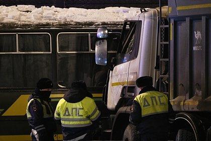 В МВД рассказали о состоянии водителя самосвала во время ДТП с военной колонной