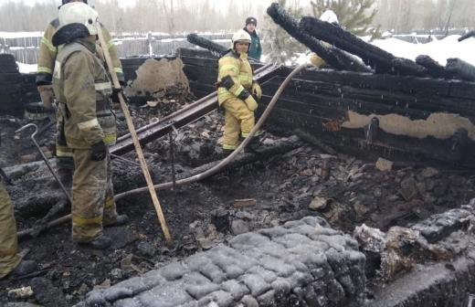 Из-за пожара в Екатеринбурге погибли просившие помощь в Twitter мать и дочь