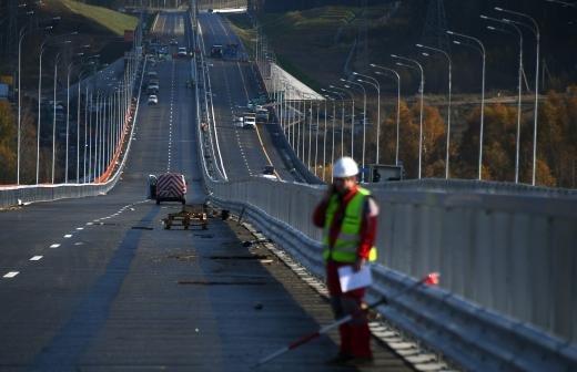 Путин обсудит с правительством вопросы дорожного строительства