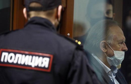 Прокуратура отказалась обжаловать приговор историку Соколову