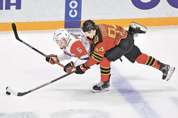 На Западе пять команд претендуют на четыре путевки в плей-офф КХЛ