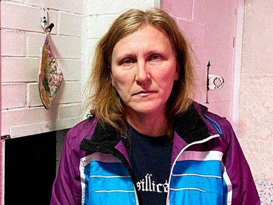 Женщина, получившая удар в живот на протесте, покинула дом