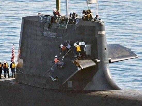 Японская субмарина не смогла обойти судно – при ремонте ее доломали