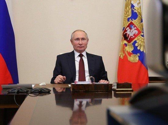 Индексацию пенсий работающим связали с графиком Путина