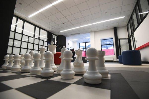 Турнир претендентов на шахматную корону возобновится в Екатеринбурге 19 апреля