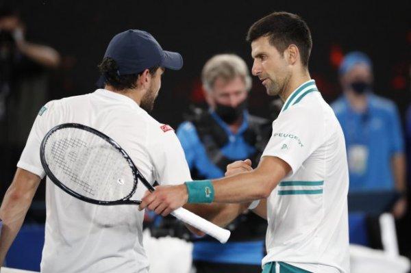 Карацев проиграл Джоковичу в полуфинале Australian Open