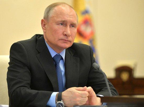 Путин присвоил генеральские звания 26 силовикам
