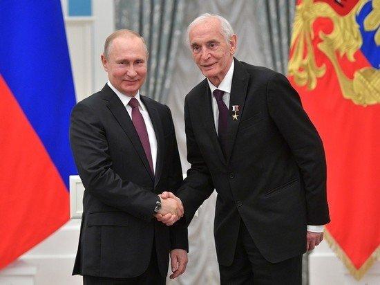 Россияне назвали Путина и Ланового настоящими мужчинами
