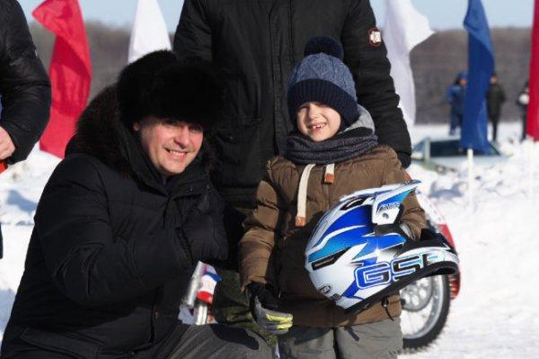В Мордовии 5-летний гонщик вышел на мотокросс ко Дню защитника Отечества
