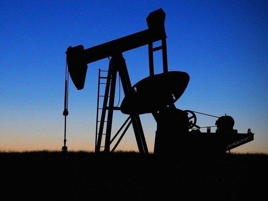 Доходы России от нефти и газа резко обвалились