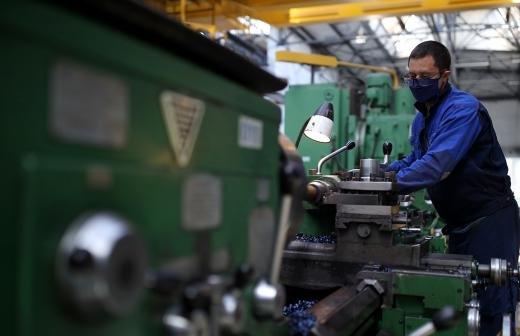 Почти половина россиян поддержали переход на четырехдневную рабочую неделю