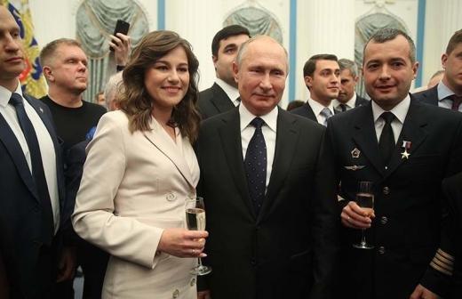 Путин наградил героя-школьника из Биробиджана