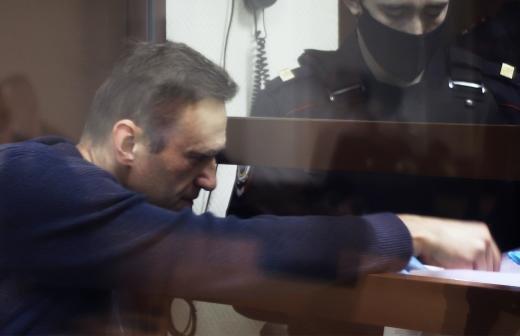 В Кремле оценили решение ЕСПЧ по Навальному