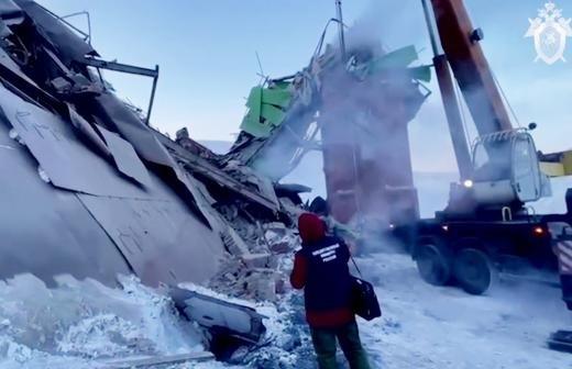 В Норильске объявили 22 февраля днем траура по жертвам обрушения на фабрике