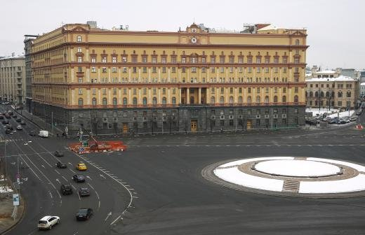 Дзержинский уступает Невскому в голосовании по памятнику на Лубянке