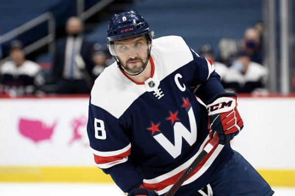 Овечкин стал уже шестым снайпером за всю историю НХЛ