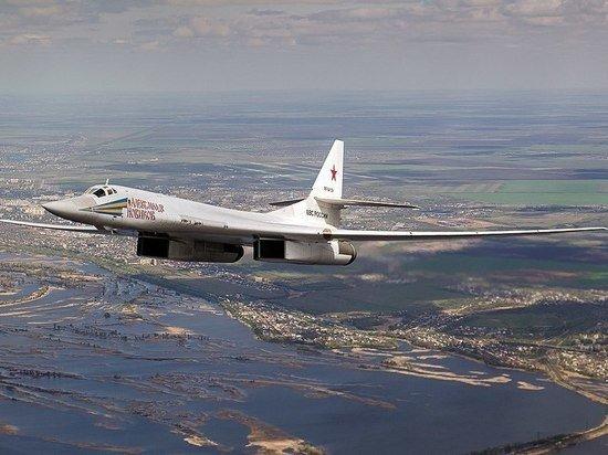 Российские стратегические ракетоносцы Ту-160 пролетели над Баренцевым и Норвежским морями