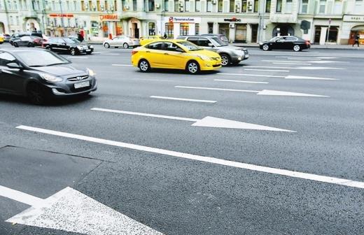 Длина заторов на дорогах Москвы в утренний час пик превысила 60 км