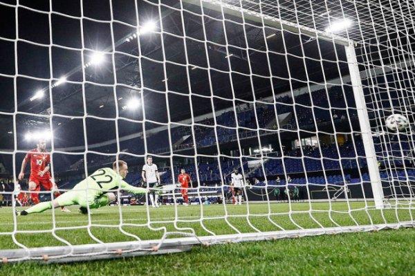 Немецкие футболисты проиграли в квалификациях ЧМ впервые с 2001 года
