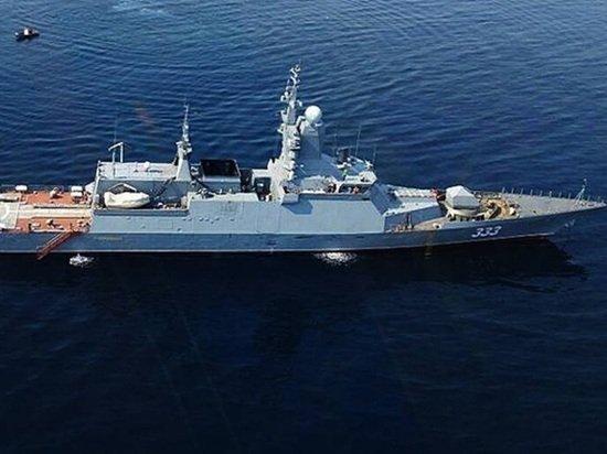 В Японском море прошли учения российских кораблей
