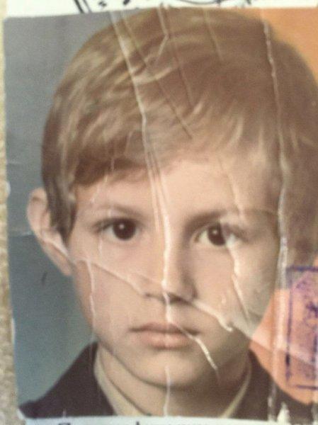Павел Дуров показал детское фото, поздравив маму с днем рождения