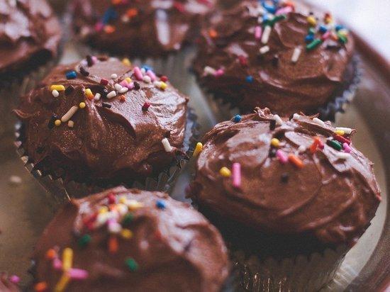 Ученые выяснили, что чрезмерное употребление сладостей повлияет на память