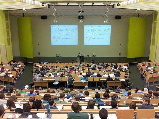 В российских вузах решили увеличить квоту для белорусских студентов