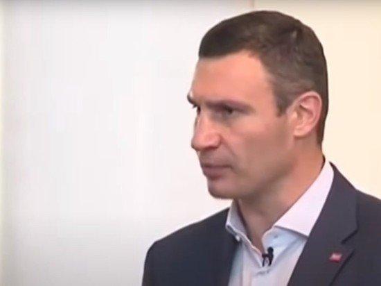 Мэр Кличко объяснил многокилометровые пробки в Киеве коллапсом медицинской системы