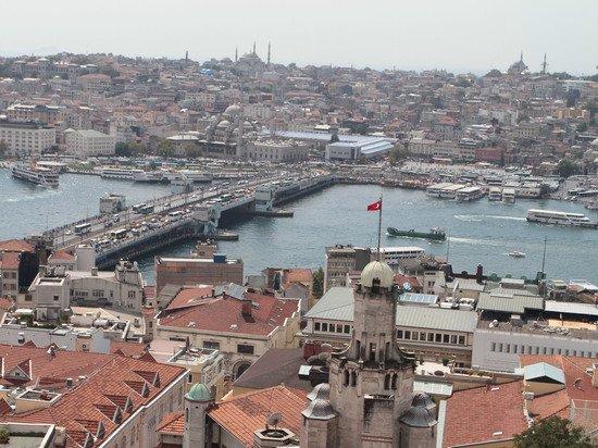 Россиянка раскрыла причину домогательств мужчин в Турции