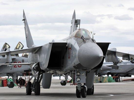 Российский истребитель сопроводил над Баренцевым морем норвежский самолет-разведчик