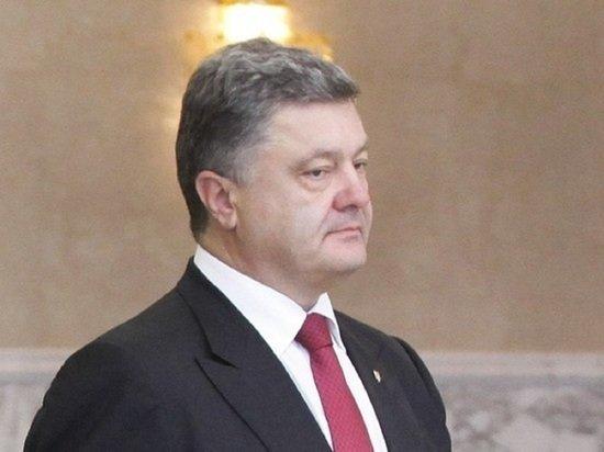 Порошенко возмутился отказу от проспекта Бандеры в Киеве