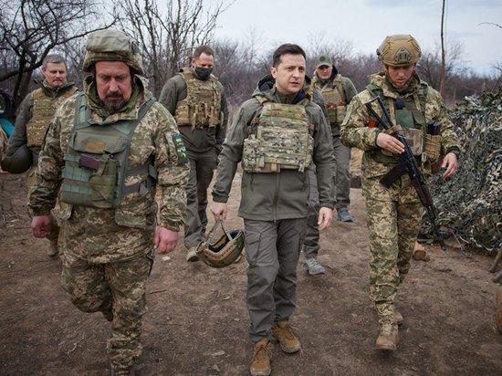 Бронежилет президента Украины сравнили со слюнявчиком