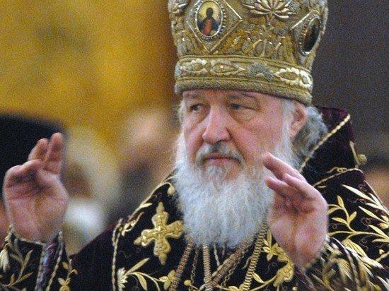 Патриарх Кирилл заявил, что хлеб и вино для причастия защищены от COVID-19