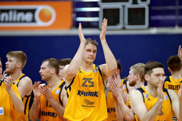 Баскетболист Мозгов впервые за 1015 дней сыграл в официальном матче