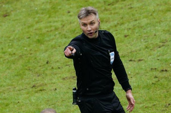 Судья Лапочкин отстранен от футбольной деятельности на 90 дней