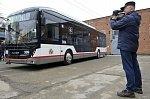 В Краснодаре представили первый собранный в городе троллейбус