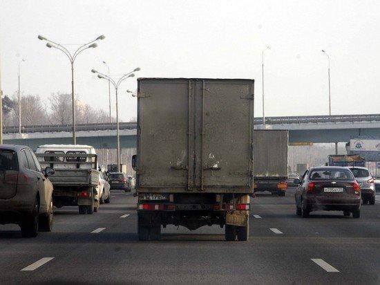 В Москве ввод новых правил въезда грузовиков перенесли из-за праздников