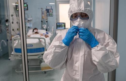 Попова рассказала о завозе мутаций коронавируса из Турции в РФ