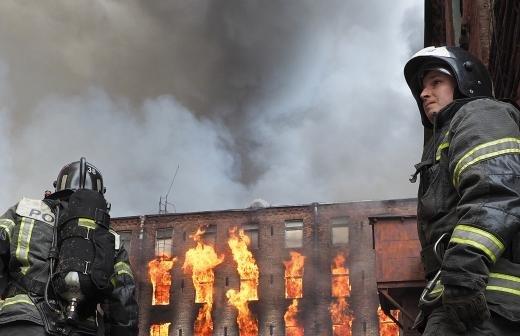 Пожар на «Невской мануфактуре» полностью потушен
