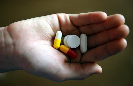 Врач предупредил об опасности бесконтрольного приема лекарств