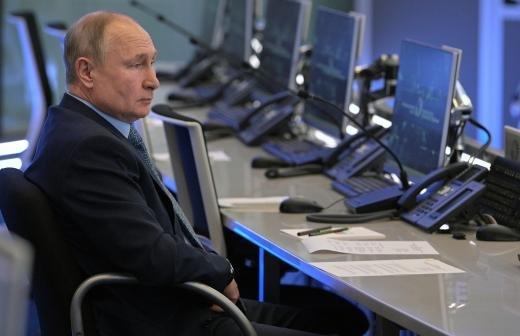 Песков объяснил отсутствие у Путина госнаград