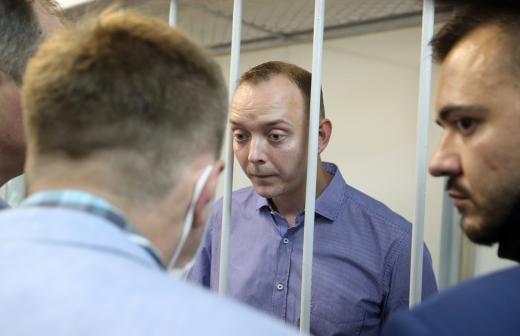 Адвокат экс-советника «Роскосмоса» Сафронова задержан после обыска