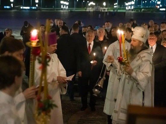 Сергей Шойгу побывал на пасхальной службе в Главном храме Вооруженных сил
