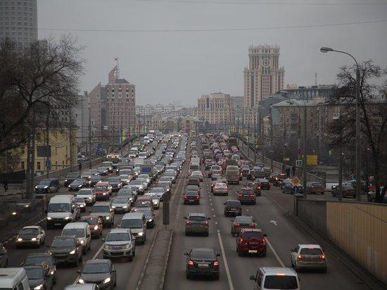 Гидрометцентр предупредил москвичей о жёлтом уровне погодной опасности во вторник